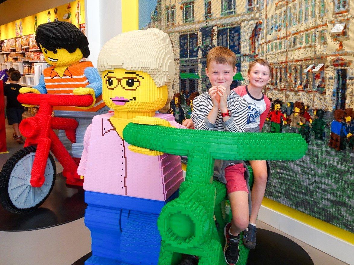 Lego shop Copenhagen for kids